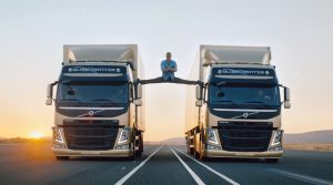 mxcpjean-claude-van-damme-volvo-the-epic-split